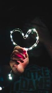 Превью обои сердце, рука, свет, блеск, блики