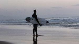 Превью обои серфинг, доска, волны