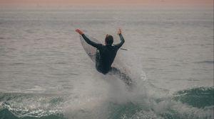 Превью обои серфинг, серфер, море, волны, брызги