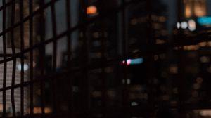 Превью обои сетка, здания, город, размытость, темный
