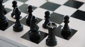 Превью обои шахматы, шахматная доска, фигуры, чб