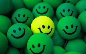 Превью обои шары, смайлы, улыбка, зеленый, желтый