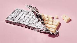 Превью обои шоколад, обертка, фольга, клавиатура