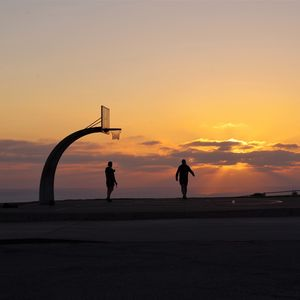 Превью обои силуэты, баскетбольное кольцо, баскетбол, спорт, закат