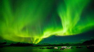 Превью обои сияние, небо, звезды, зеленый