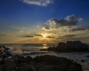 Превью обои скалы, море, солнце, закат, пейзаж, темный