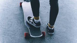 Превью обои скейт, скейтборд, ноги, кеды, кататься