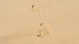 Превью обои следы, песок, пляж