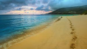 Превью обои следы, побережье, море, песок, пляж, ямы, туча