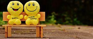 Превью обои смайлики, счастливый, веселый, улыбка, скамейка, милые