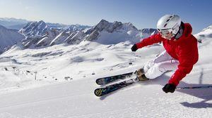 Превью обои снег, горы, голубое небо, горные лыжи, карвинг