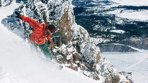 Превью обои сноуборд, спуск, экстрим, сноубордист, снег, горы, склон, доска, зимний спорт