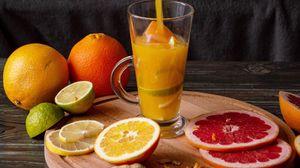 Превью обои сок, напиток, стакан, фрукты, цитрус
