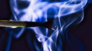 Превью обои спичка, дым, макро, темный