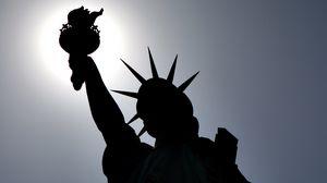 Превью обои statue of liberty, new york, usa, статуя свободы, нью-йорк, сша, облик, тень
