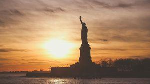 Превью обои статуя свободы, сша, америка, закат, скульптура