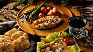 Превью обои стейк, овощи, булочка, ужин, вкусно