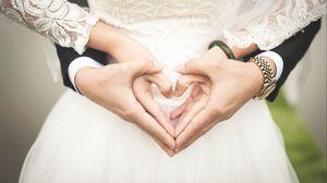 Превью обои свадьба, руки, сердце, любовь, романтика
