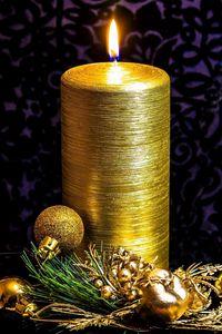 Превью обои свеча, хвоя, игрушки, золото
