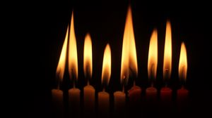 Превью обои свечи, огонь, темный, пламя, темнота