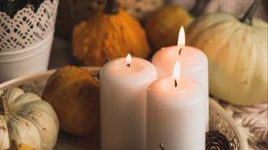 Превью обои свечи, пламя, хэллоуин, тыквы, шишки