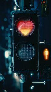 Превью обои светофор, сердце, сигнал, красный, любовь