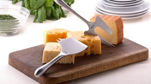 Превью обои сыр, нарезка, приборы