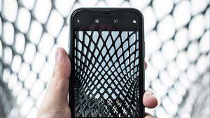 Превью обои телефон, смартфон, рука, фото в фото