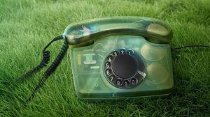 Превью обои телефон, старинный, трава, цифры, трубка