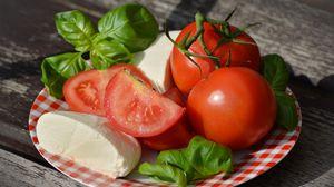 Превью обои томаты, сыр, моцарелла