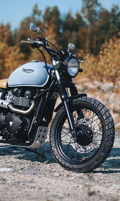 240x400 Обои triumph, bonneville, мотоцикл, вид сбоку