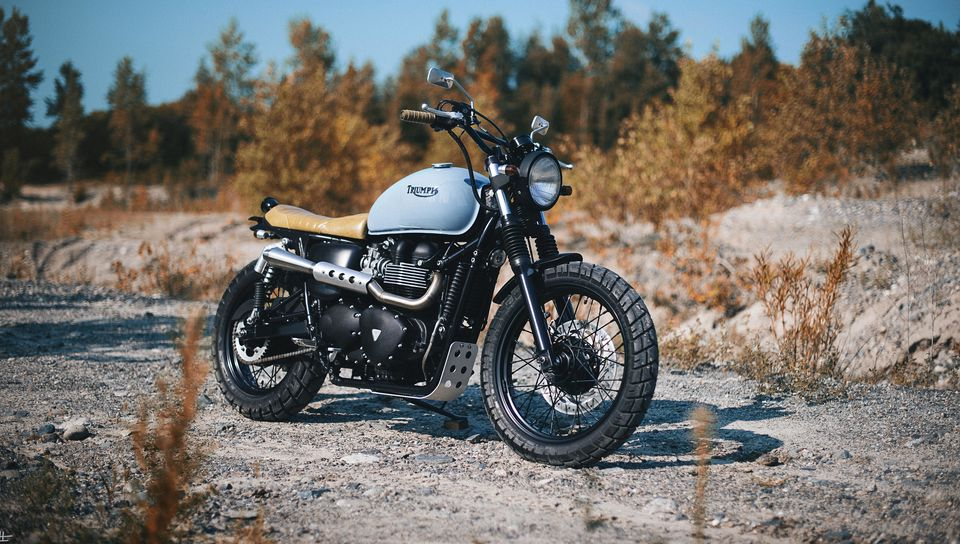 960x544 Обои triumph, bonneville, мотоцикл, вид сбоку