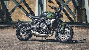 Превью обои triumph, мотоцикл, байк, зеленый