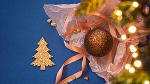 Превью обои украшения, гирлянда, елка, золото, новый год, рождество