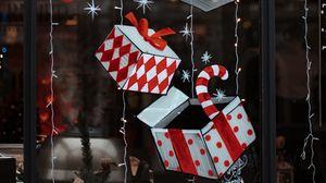 Превью обои украшения, коробки, подарки, гирлянды, новый год, рождество, праздник
