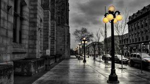 Превью обои улица, город, вечер, чб, фонари, здания, hdr