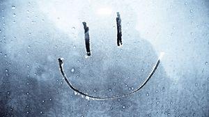 Превью обои улыбка, смайл, рисование, стекло, счастье