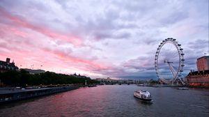 Превью обои великобритания, англия, лондон, столица, колесо обозрения, вечер, здания, архитектура, набережная, река, темза, небо, тучи