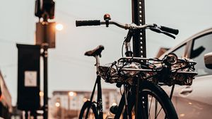 Превью обои велосипед, черный, тротуар, улица, город