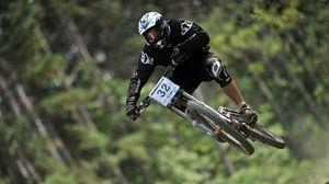 Превью обои велосипед, полет, велоспорт, downhill