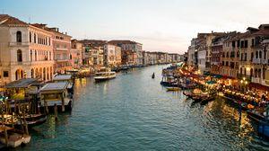 Превью обои венеция, канал, гондольеры, здания