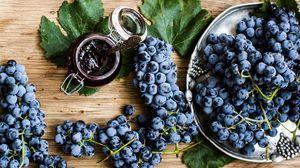 Превью обои виноград, ветка, фрукт, джем