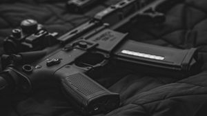 Превью обои винтовка, оружие, пистолеты, черный, армия
