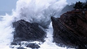 Превью обои волна, море, разрушение, удар, брызги, сила, камни