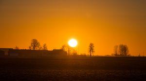 Превью обои восход, солнце, рассвет, горизонт, туман, дерево