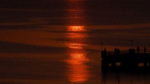 Превью обои восход, солнце, силуэты, рыбаки, море