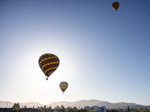Превью обои воздушные шары, полет, небо