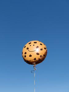 Превью обои воздушный шарик, смайлик, смайл, небо