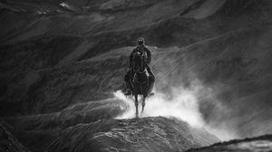 Превью обои всадник, чб, лошадь, горы, холмы
