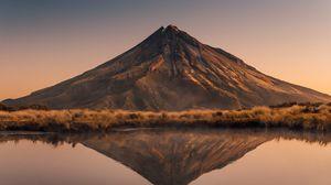 Превью обои вулкан, вершина, отражение